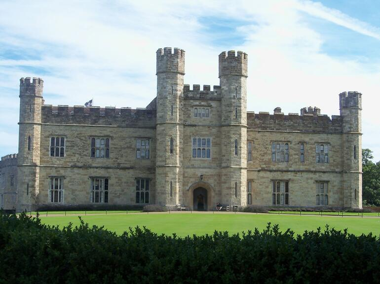 Leeds Castle, England - London