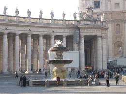 Piazza San Pietro., Victoria F - December 2007