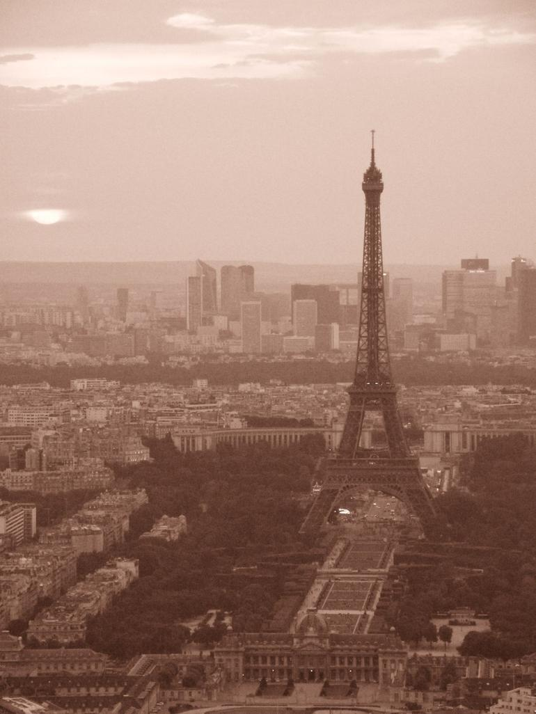 Sunset view of the Eiffel Tower - Paris