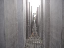 Holocaust Memorial, Krishnan Vaitheeswaran - October 2008