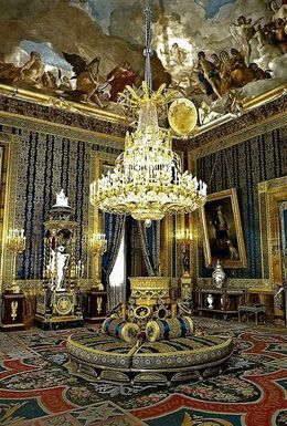 Luxury room full of history , Jennifer G - July 2016