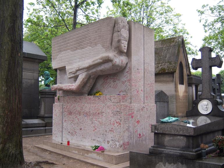 Oscar Wilde's Tomb - Paris
