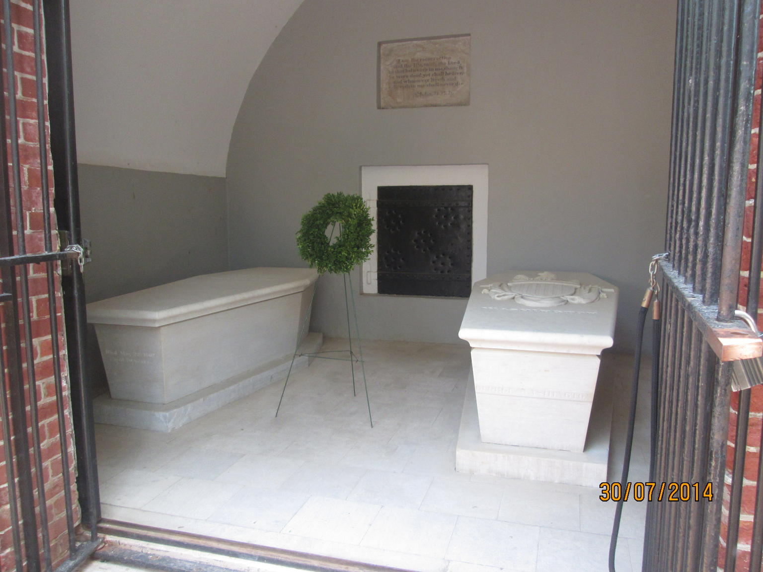 Tombs of George Washington  and  his wife