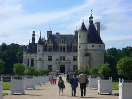 Loire Valley Castles day trip: Chenonceau. We are going to a castle. - June 2008