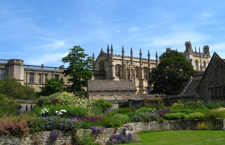 Christchurch in Oxford - London
