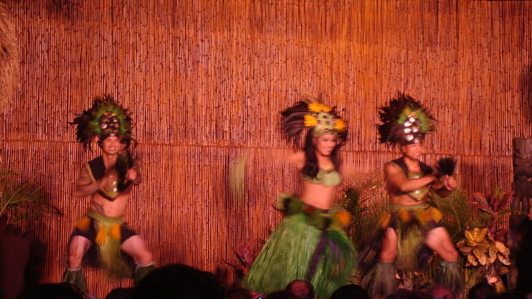 AMAZING Luau entertainment! - Maui