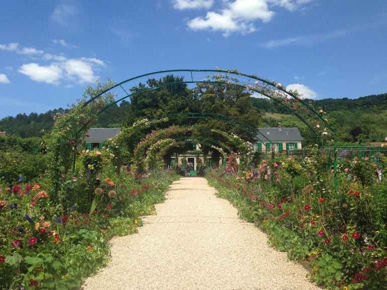 Giverny and Monet's Garden Small Group Day Trip from Paris photo 23