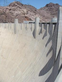 Shot of the dam, from the top. Look at all that concrete! - June 2008