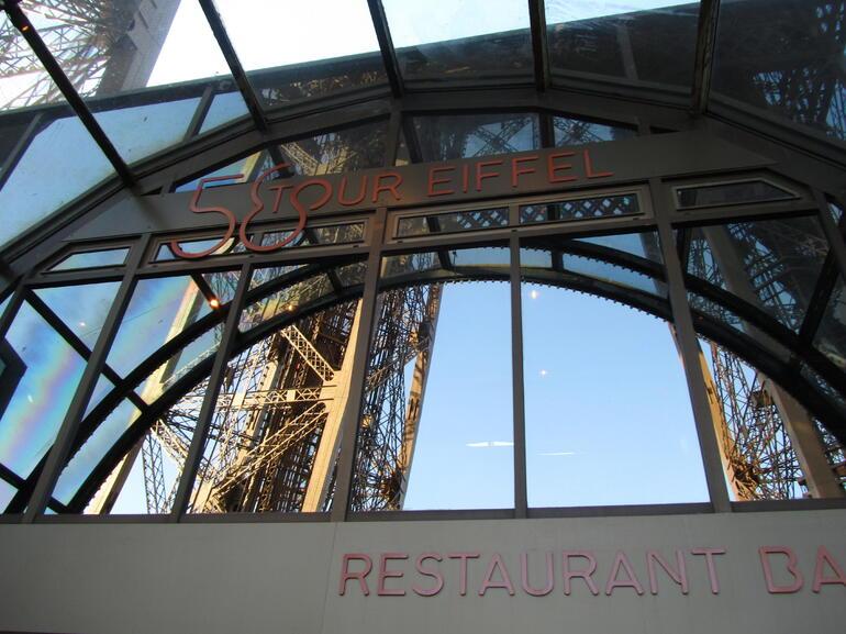 door of the restaurant - Paris