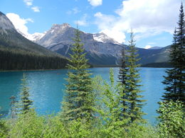 Another gorgeous glacial lake, which takes on an almost sapphire blue hue at certain times of the day. Great place to rent canoes and explore the lake up close and personal. , Amadeo P - August 2016