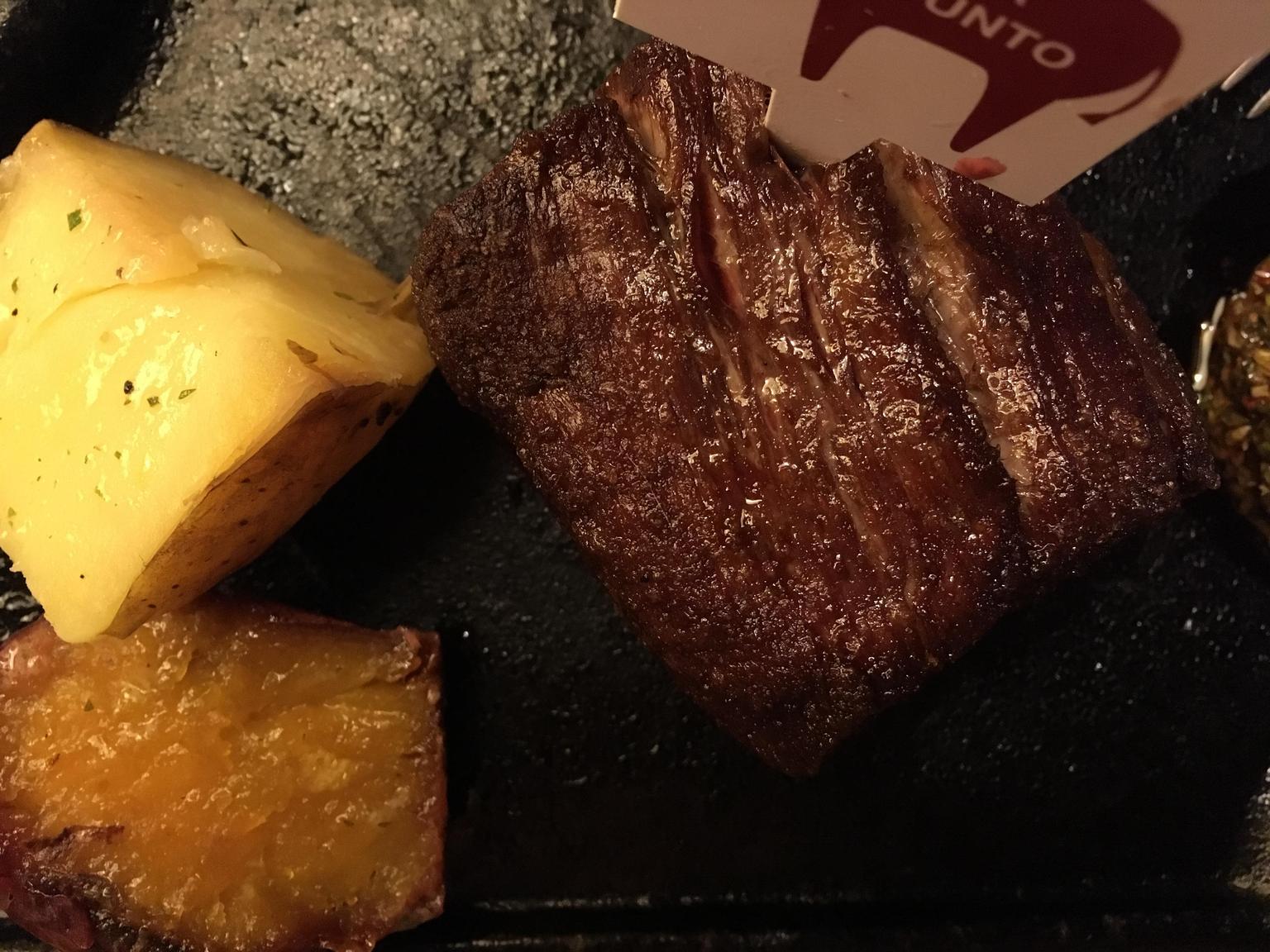 MÁS FOTOS, La experiencia culinaria en argentina: empanada, bistec, vino, alfajores y mate