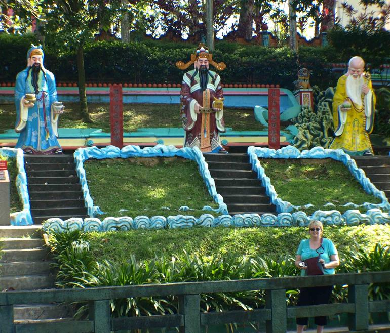 Health , Wealth and Happiness Statues - Singapore
