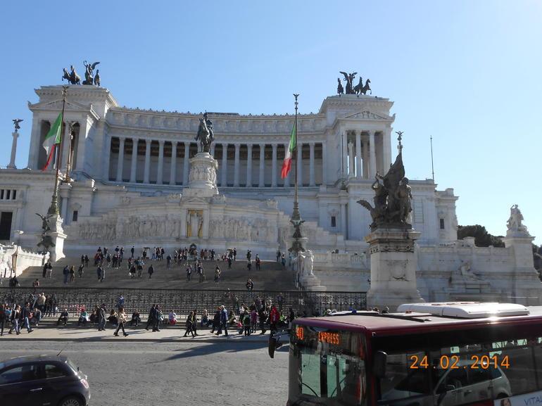 monument Victor Emmanuel II - Rome