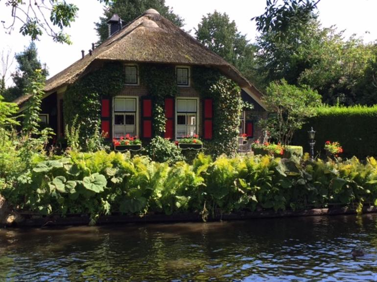 Giethoorn & Enclosing Dike Full-Day Tour from Amsterdam photo 30