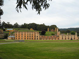 This building housed over 500 convicts , Gillian F - December 2013