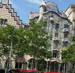 Crazy unique architecture in Barcelona! , brendaannolele - June 2016