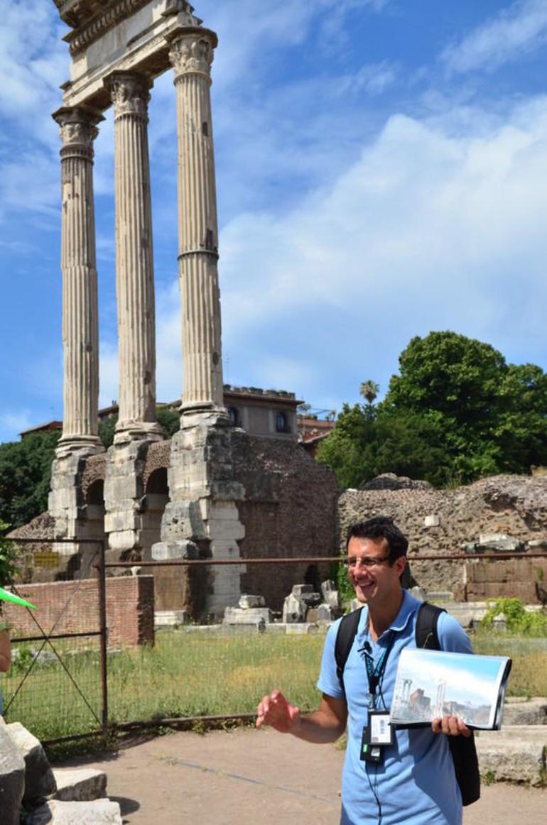 Colosseum and Forum Tour - Rome