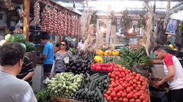 Gran colorido y variedad de frutas de y verduras en los puestos del mercado , EUSEBIO A - July 2016