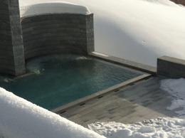 Outdoors Pool, isa - December 2012