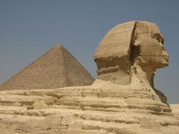 Sphinx and Great Pyramid - the Great Pyramid is quite a way back and still looks big!, WAYNE A R - September 2008