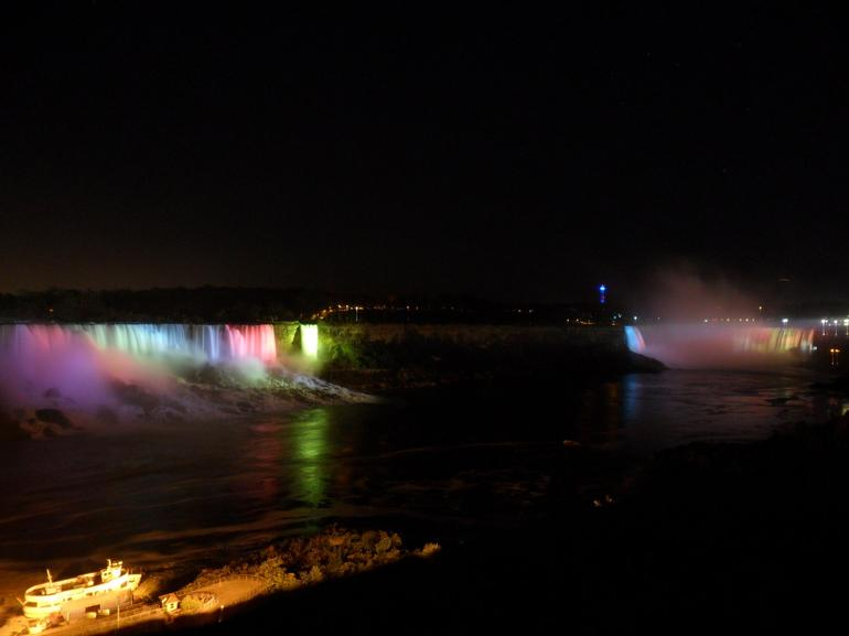 The falls by night - New York City