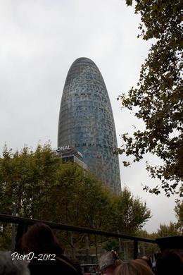 edifice comme un ebombe , Pierre D - October 2012