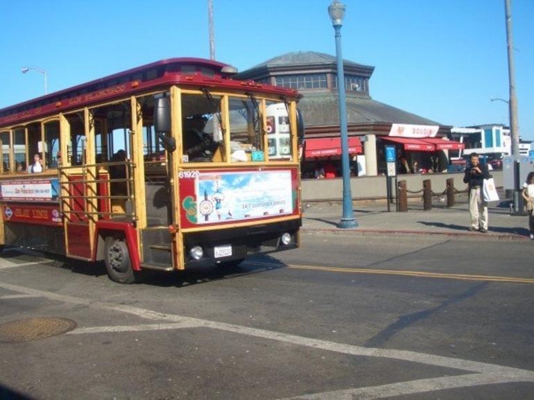 Cable Car in San Francisco - San Francisco