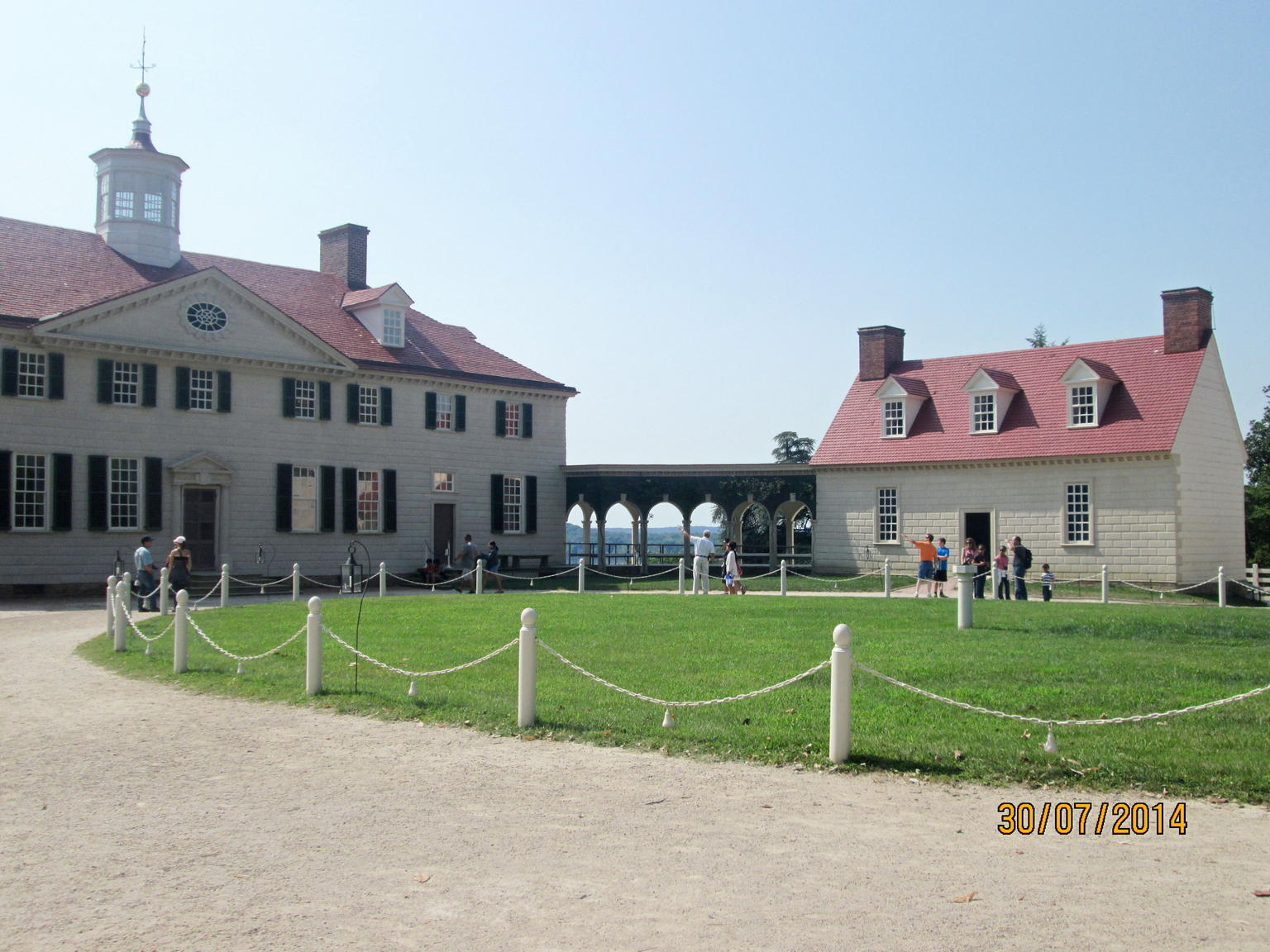 Mount Vernon house  and  kitchen