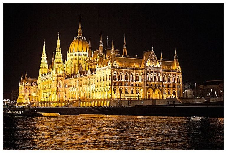 Budapest Evening Walking Tour with optional Danube River Cruise photo 30