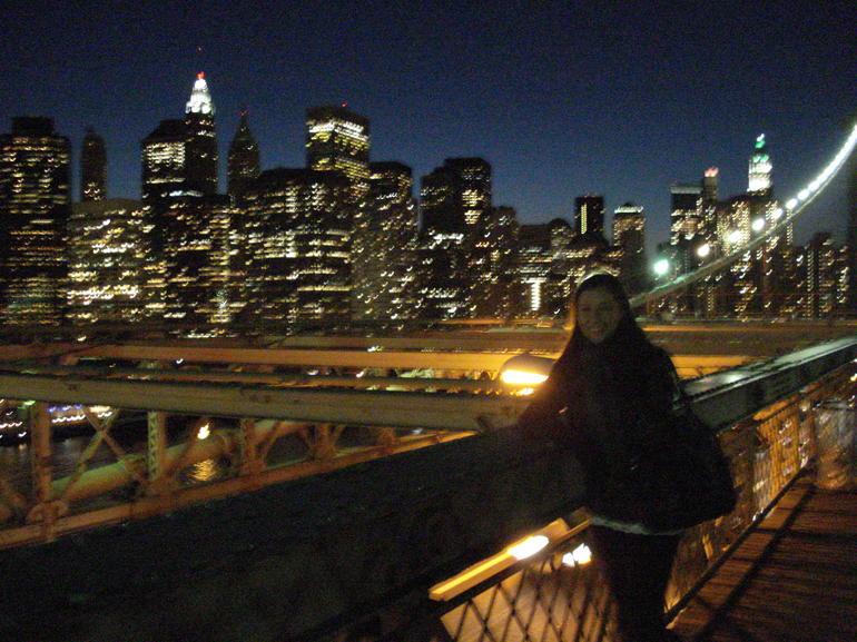 Brooklyn Bridge by night - New York City