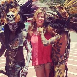 Pic of me with 2 Mayan warriors. , Elise R - May 2016