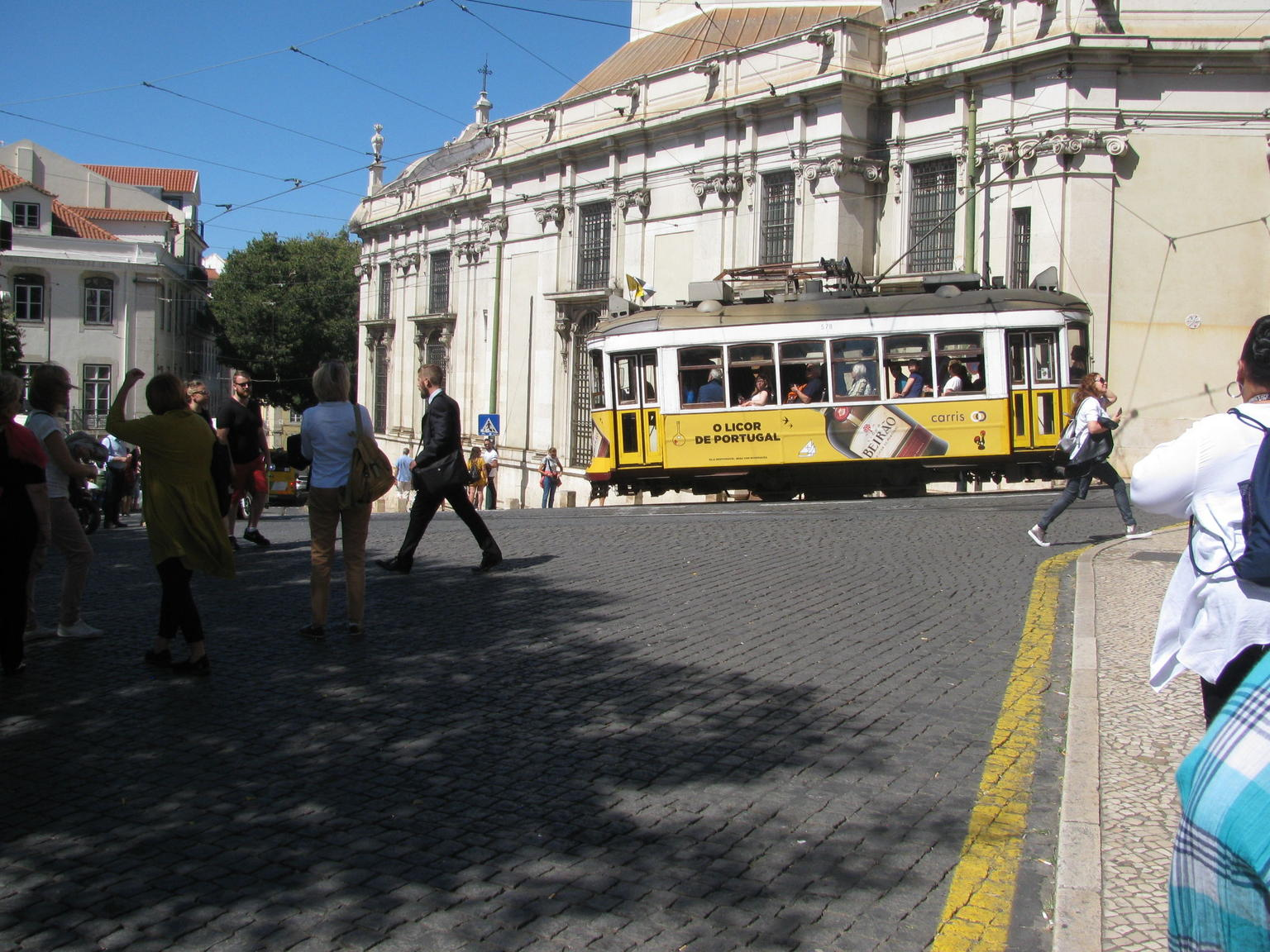 MÁS FOTOS, Recorrido a pie guiado por Lisboa