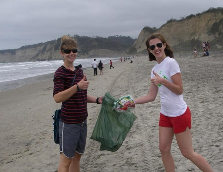 Picking up trash in Canoa - Ecuador
