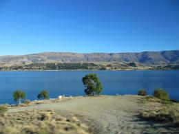 Lake Dunstan near Cromwell - May 2010