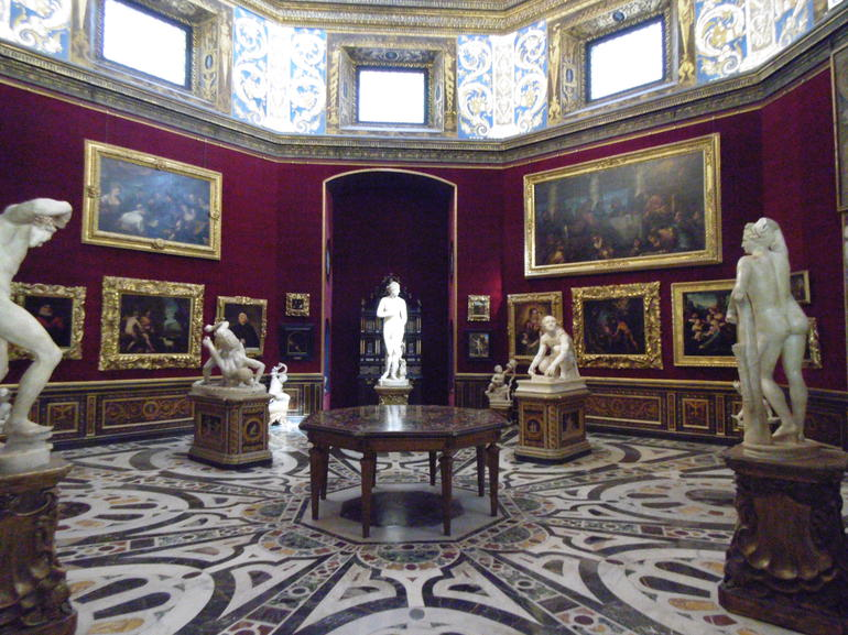 Skip the Line: Florence Accademia and Uffizi Gallery Small Group Tour photo 22