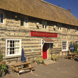 your inclusive lunch at Rose and Crown , Camz - September 2015