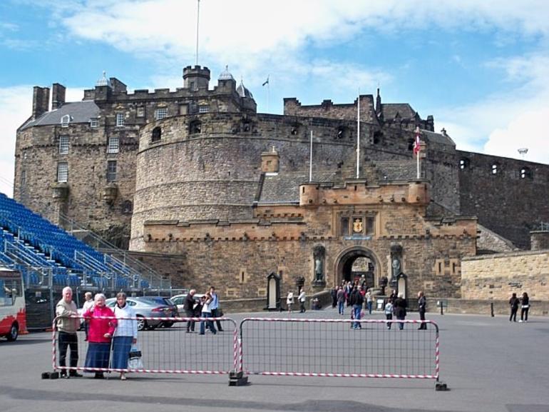 Edinburgh Castle - London