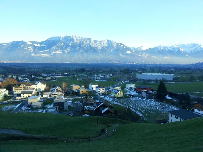 vaduz-montagnes-bus-trajet-nature