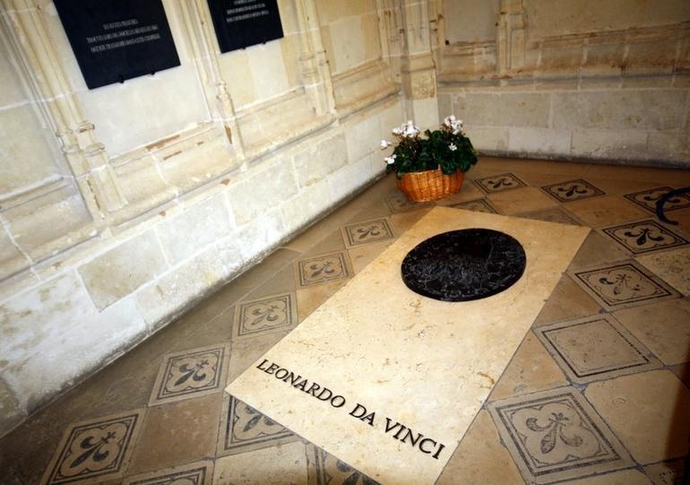 The tomb of Leonardo - Paris