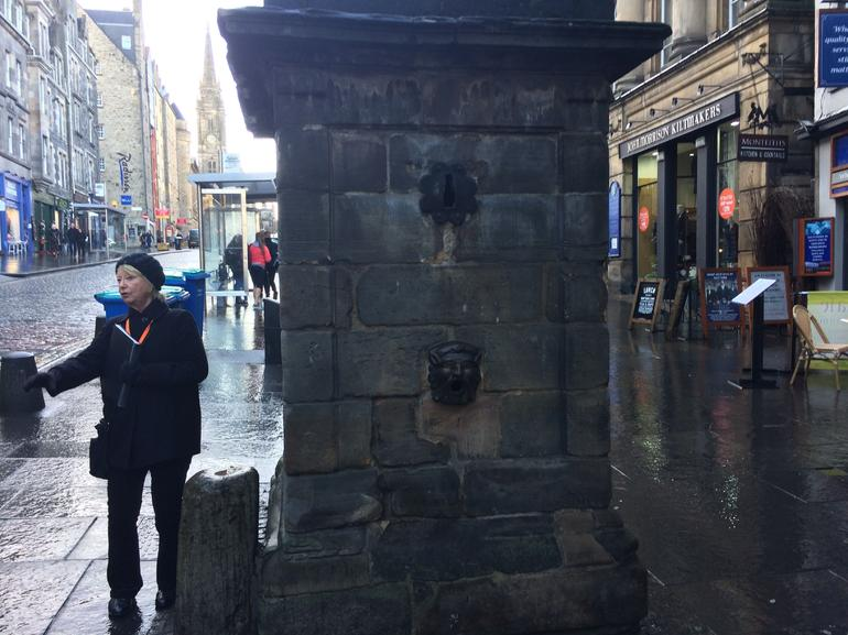 Historical Walking Tour with Optional Skip the Line Entry to Edinburgh Castle photo 32