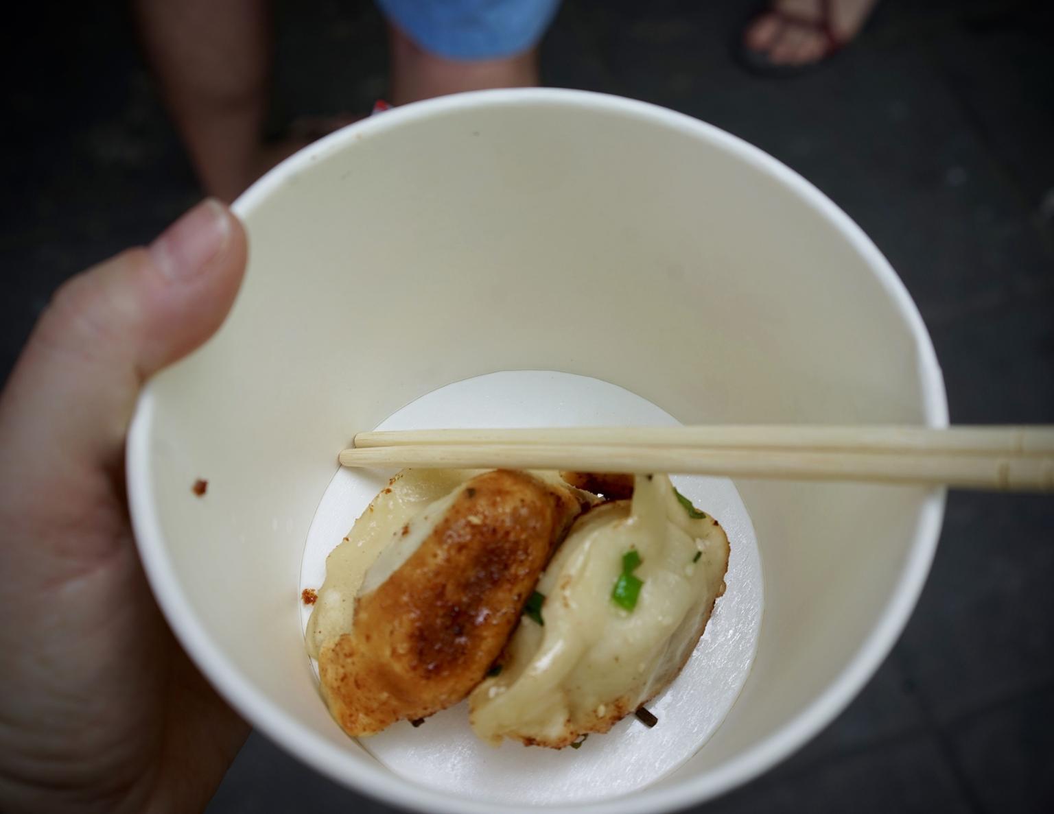 MÁS FOTOS, Descubra Shanghái: recorrido gastronómico con clase de cocina y degustación de buñuelos