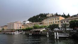 Fotografía realizada desde el barco en el que hicimos una excursión por el Lago de Como. , Lourdes G - August 2014