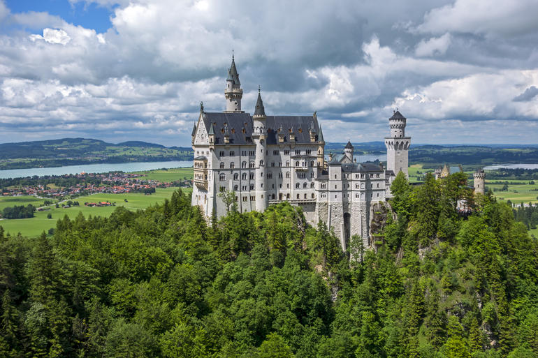 Schloss Neuschwanstein. - Munich