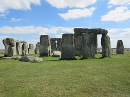 The mysterious Stonehenge , GINNETTE P - September 2016