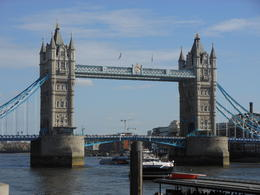 Magnifique pont très impressionnant. , allibaba - April 2014