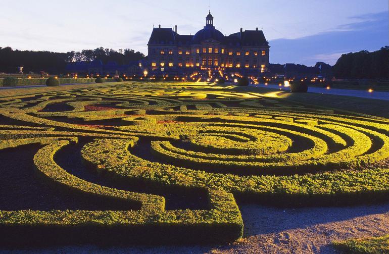 Vaux-le-Vicomte Gardens - Paris