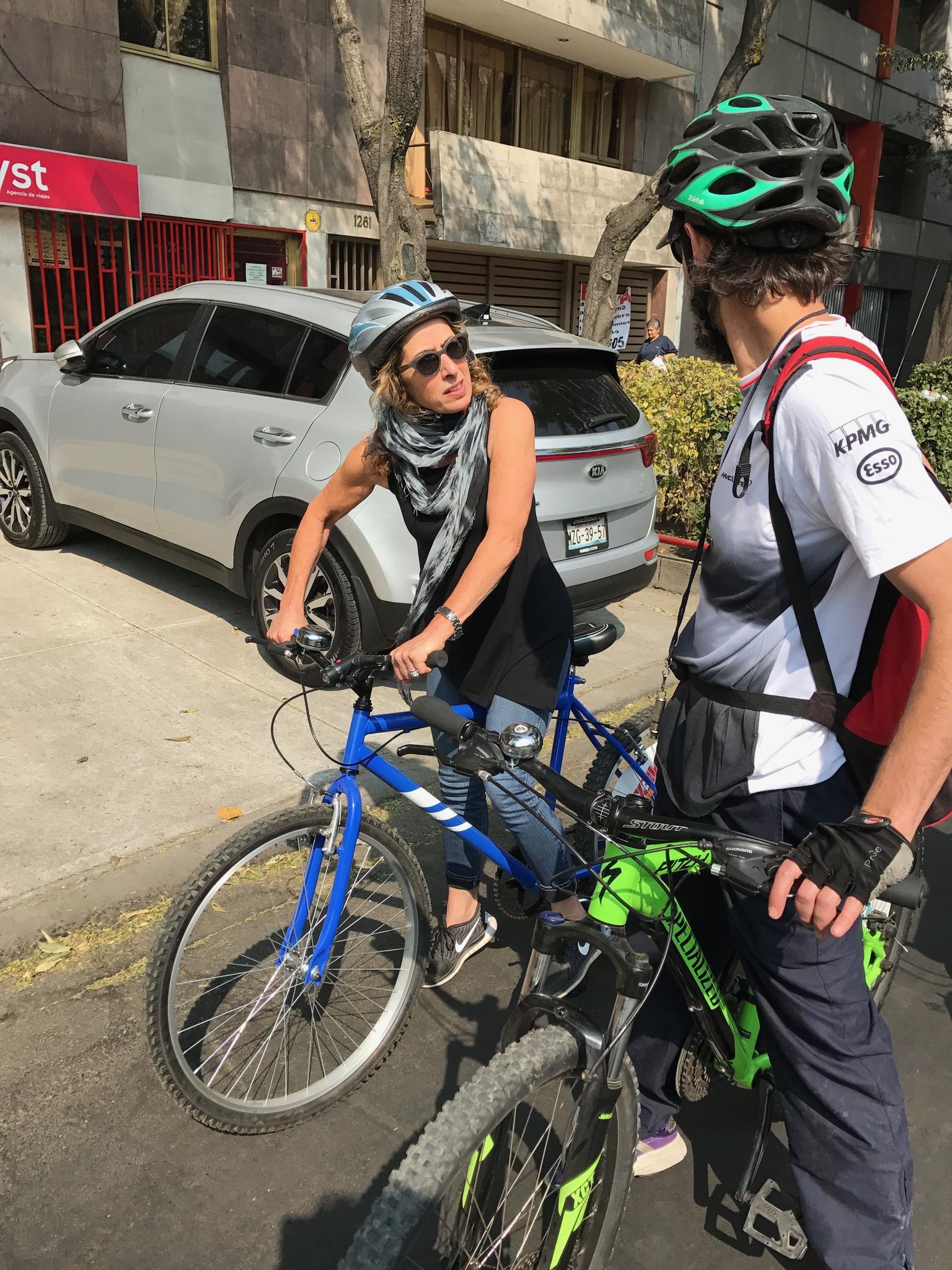 MAIS FOTOS, Mexico City Bike Tour: Coyoacan and Frida Kahlo Museum VIP ENTRANCE