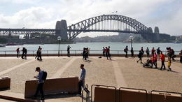 Sydney bridge, view from bus , C S - October 2017
