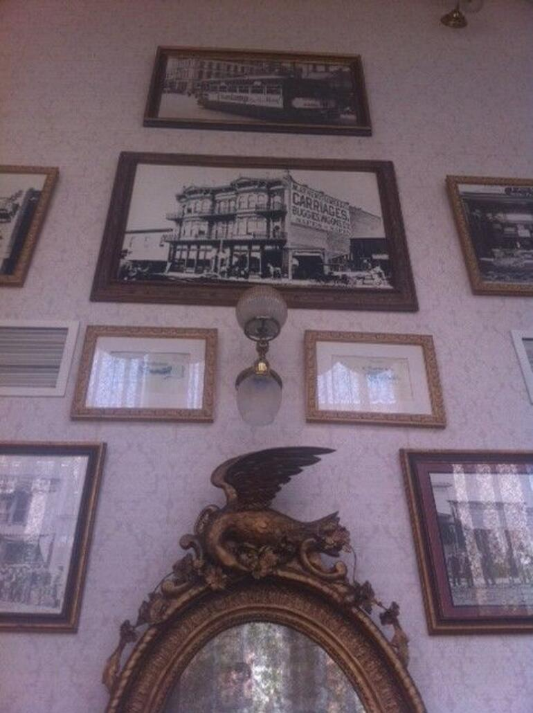 Old photos in the Palace Hotel - San Diego