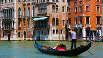 Venice Gondola Tours with a Serenade